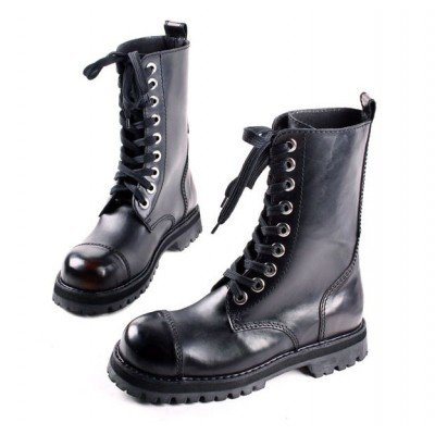 f3c444ce6cca Со временем усилиями модельеров подносок перекочевал внутрь обуви (на  рабочих ботинках он и сейчас снаружи).